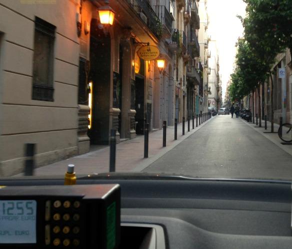 Taxifahrt durch Barcelona (Reiseblog und Foodblog Travel on Toast)