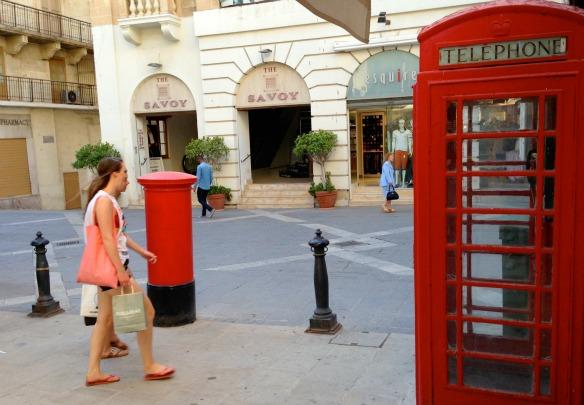 Rote Telefonzelle in Valletta, Malta