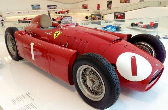 Ferrari in Modena bei Bologna
