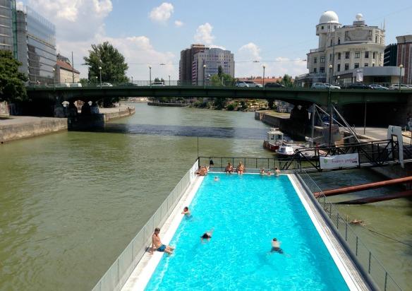 Badeschiff - Sommer in Wien