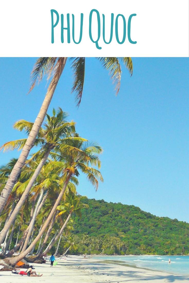 Strand, Palmen & Seeigel auf der Insel Phu Quoc (Vietnam)