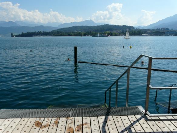 Travel on Toast, Reiseblog, Reiseblogger, Travelblog, Travelblogger, Foodblog, Foodblogger, Schweiz, Switzerland, Luzern, Lucerne, Vierwaldstättersee, Lake Lucerne, Badesteg