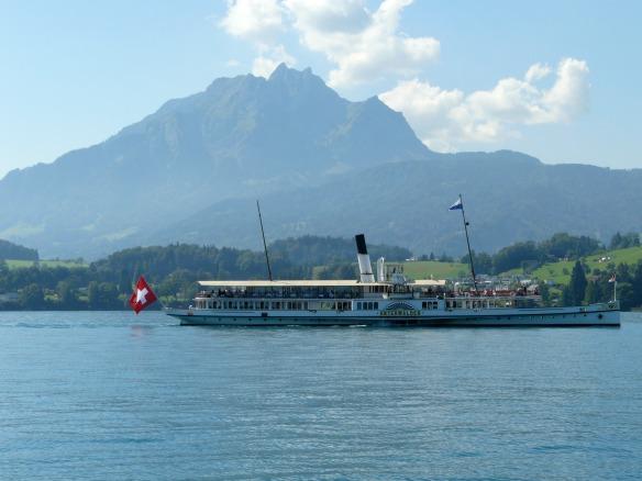 Travel on Toast, Reiseblog, Reiseblogger, Travelblog, Travelblogger, Foodblog, Foodblogger, Schweiz, Switzerland, Luzern, Lucerne, Vierwaldstättersee, Lake Lucerne, Dampfschiff