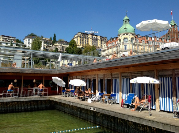 Travel on Toast, Reiseblog, Reiseblogger, Travelblog, Travelblogger, Foodblog, Foodblogger, Schweiz, Switzerland, Luzern, Lucerne, Vierwaldstättersee, Lake Lucerne, Seebad, Becken