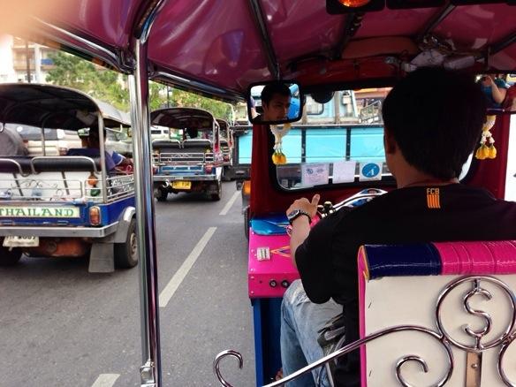 Im Tuk-Tuk durch Bangkok