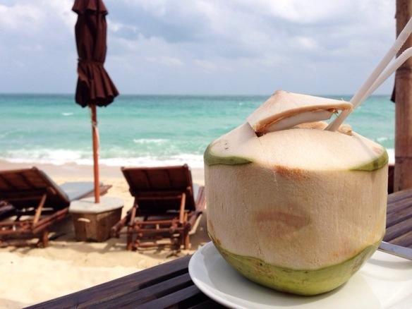 Thailand - Kokosnuss am Strand
