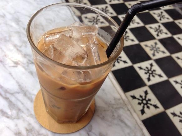 Vietnamesischer Eiskaffee in Saigon