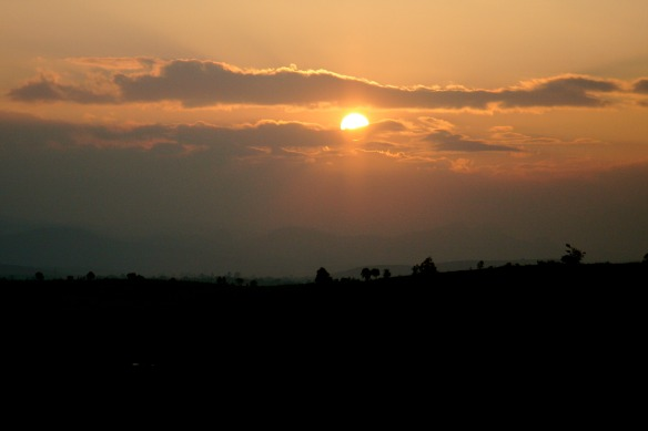 Sonnenuntergang Ebene der Steinkrüge