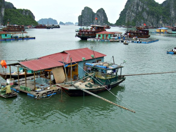Asien - Halong Bucht in Vietnam