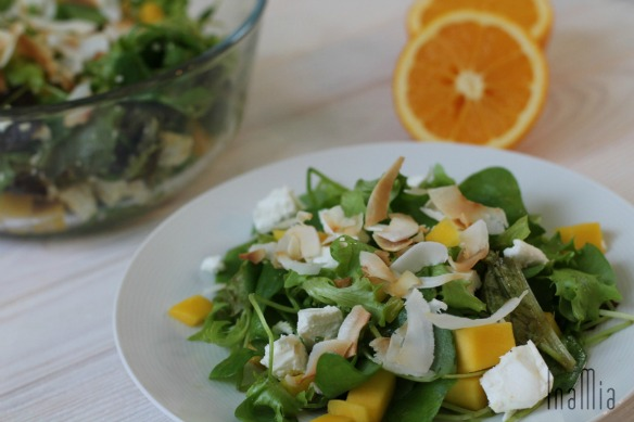 Exotischer Salat mit Mango
