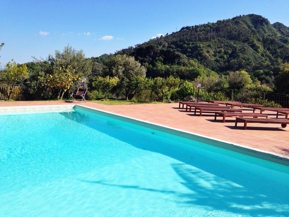 Pool des Casale Romano Resort auf Sizilien