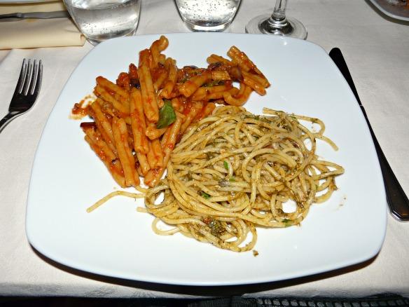 Pasta und danach Cannoli