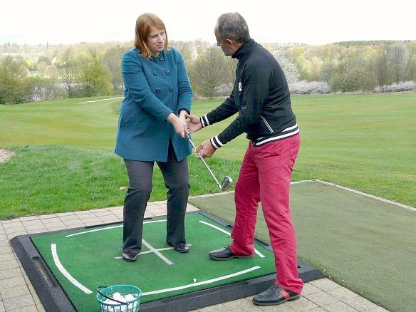 Reiseblogger Anja Beckmann beim Golf
