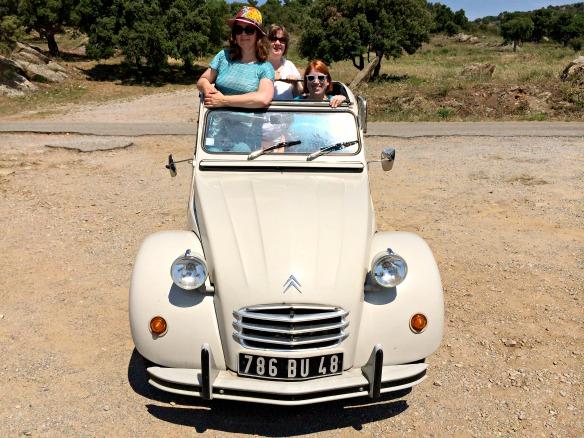 3 Reiseblogger mit der Ente durch die Provence