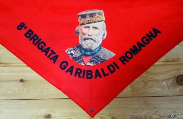 R_3b_Ravenna in Italien - Spinaroni_Partisanenflagge