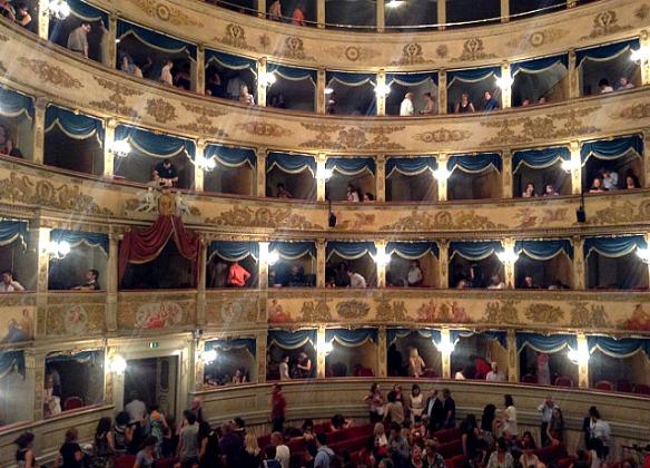 R_8_Ravenna in Italien - Dante Theater