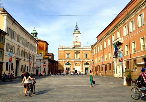 R_9_Ravenna in Italien - Piazza Del Popolo