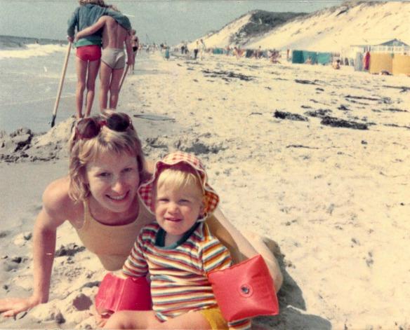 Reiseblogger Anja Beckmann als Kind in Frankreich
