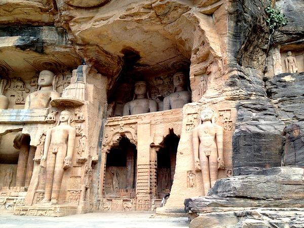 Indien Gwalior Jainstatuen