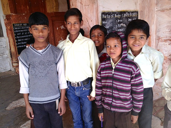 Indien - Besuch Schulklasse in Khajuraho