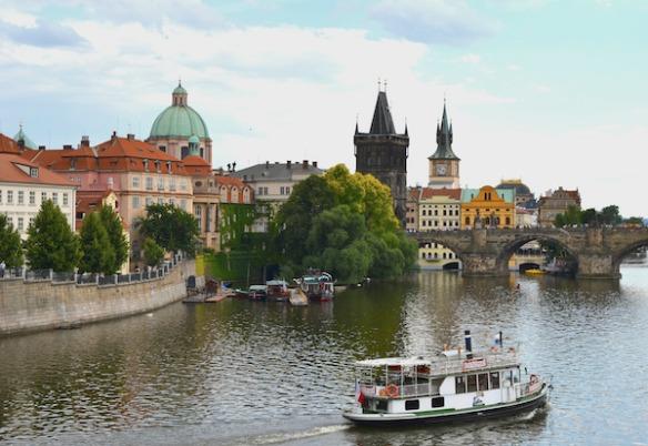 Foto 2 - Blick auf die Moldau und die Karlsbrücke in Prag