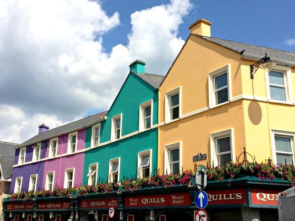 5 Irland - Kenmare - bunte Häuser