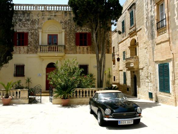 Mdina in Malta - Auto