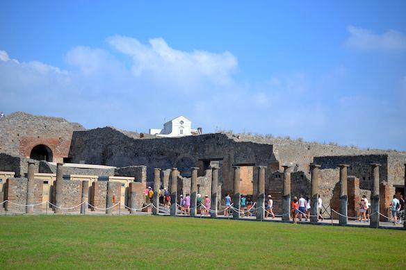 Foto-Alternative-Pompeji-im-Sonnenschein