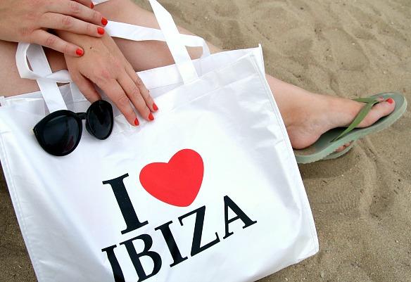 Ibiza - Nagellack Uslu Airlines