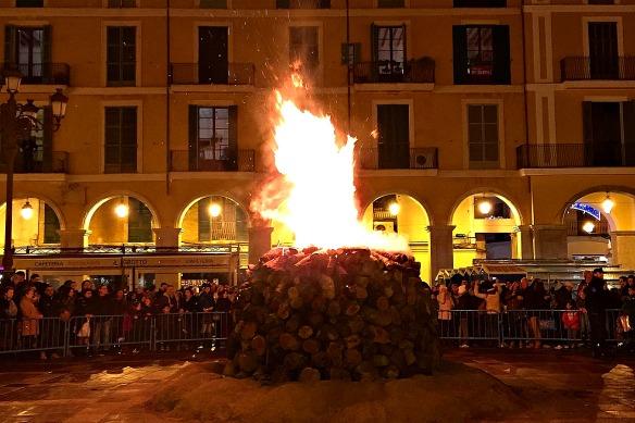 Mallorca - Palma Placa Major Feuer