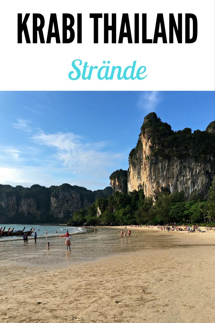 Krabi, Thailand: Ob Railay, Rai Leh oder Raleigh Beach - der Strand ist mit seinem feinen, hellen Sand und der Aussicht auf Kalksteinfelsen sehr hübsch. Ao Nang Beach ist vor allem zum Sonnenuntergang zu empfehlen. Lest mehr im Artikel im Reiseblog.