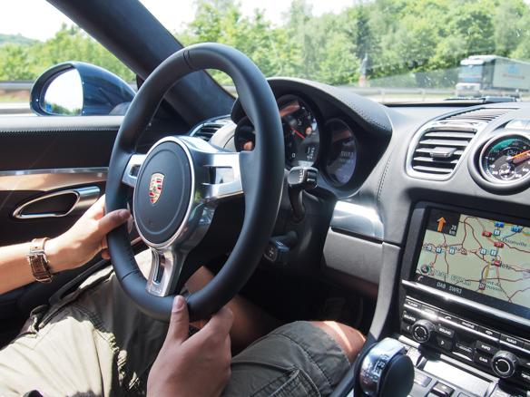 Porsche Cayman von innen