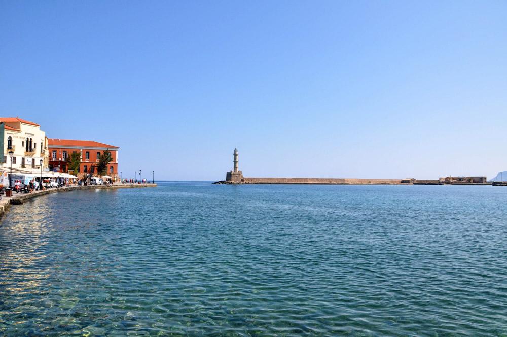 13 Chania Hafenbecken mit Leuchtturm
