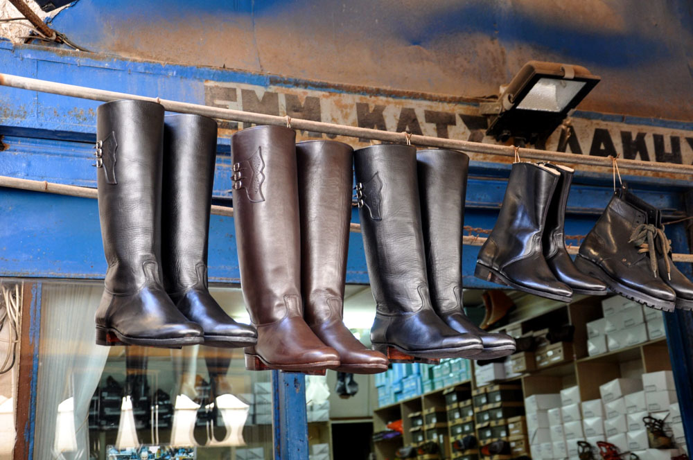 7 Chania Ledergässchen traditionelle Stiefel