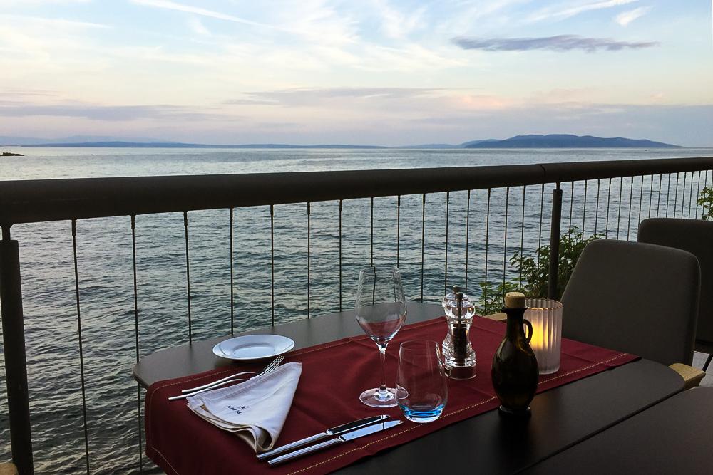 07 Hotel Navis Terrasse Kroatien