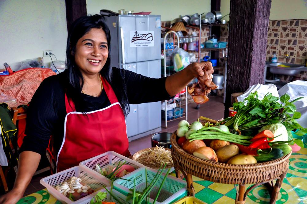 10_Aonang Thai Cookery School Krabi Thailand Wassawadee Keereenart Sow