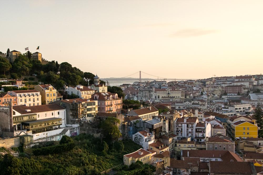 9-portugal-lissabon-miradouro_c_arianebille-1