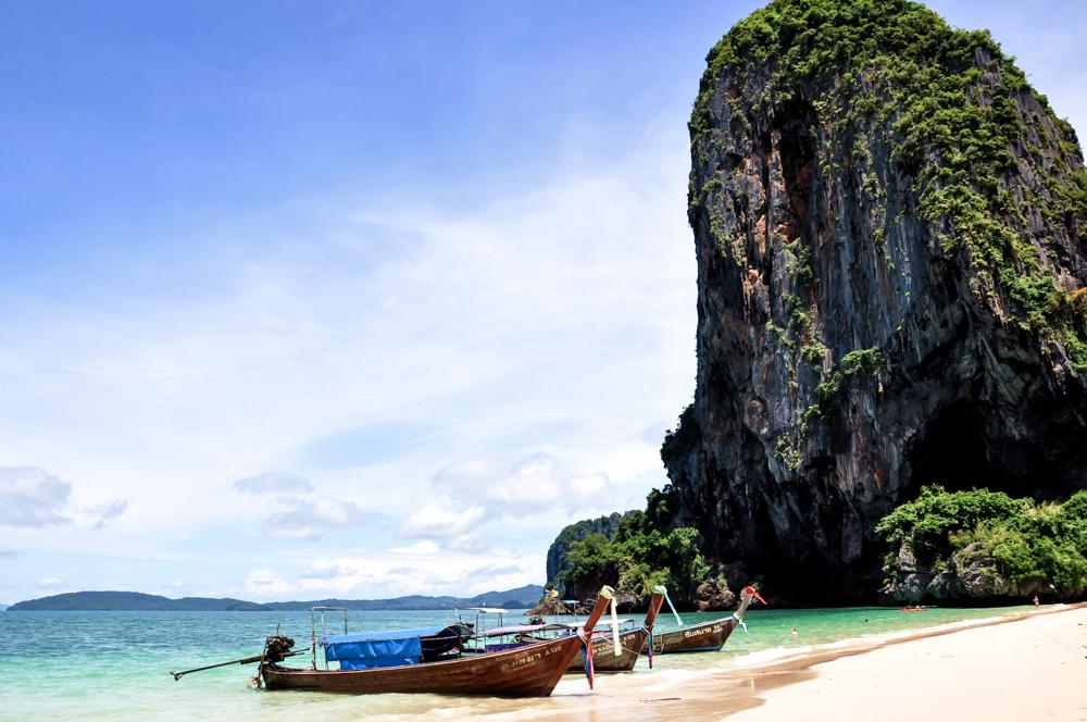 Krabi Thailand Inseln Strand Inselhopping Inseltour Langschwanzboot Four Islands Phra Nang Beach Railay