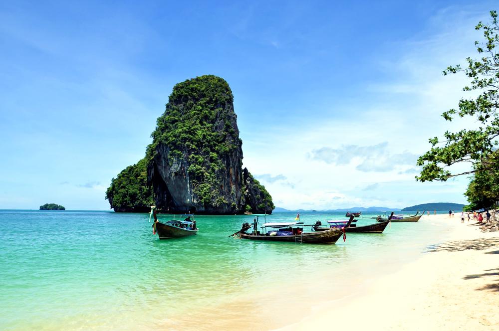 Krabi Thailand Inseln Strand Inselhopping Inseltour Langschwanzboot Four Islands quer
