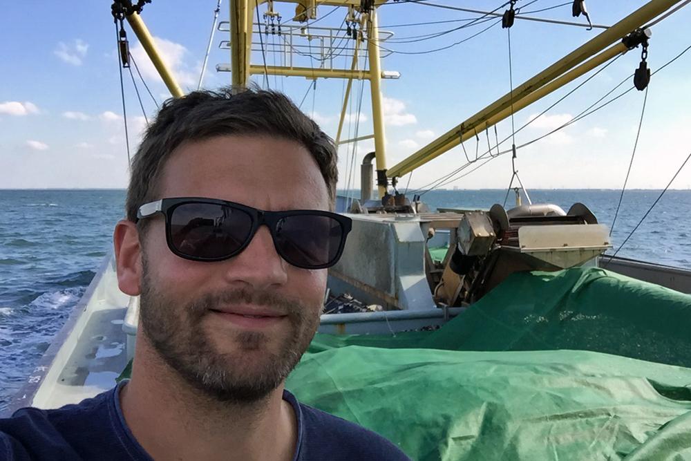 02 Reiseblogger Tim auf Muschelkutter