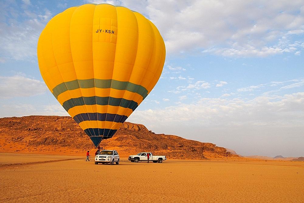 Ballonfahrt im Wadi Rum Jordanien