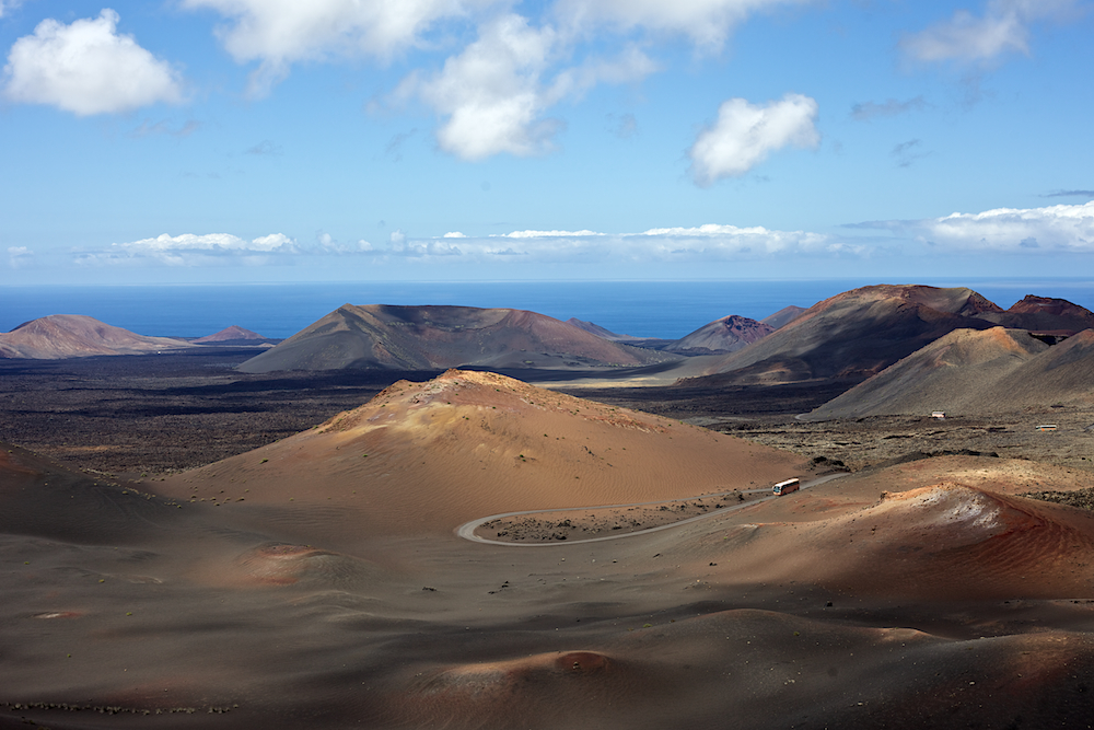 Lanzarote Los Hervideros.jpgLanzarote Timanfaya Nationalpark Vulkanlandschaft