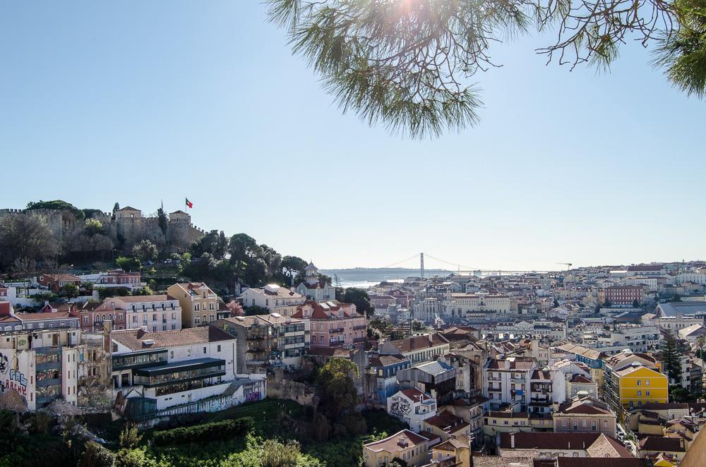 20 Portugal Lssabon Graca Miradouro Reiseblog Ariane Bille.jpg.