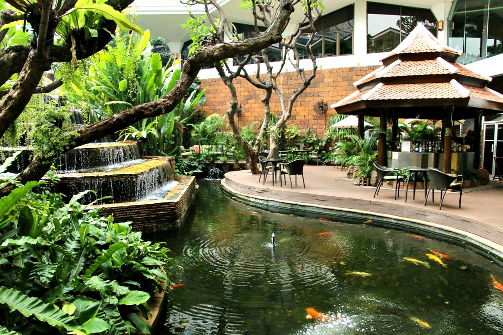 Hotel Dusit Thani Bangkok Gartenteich
