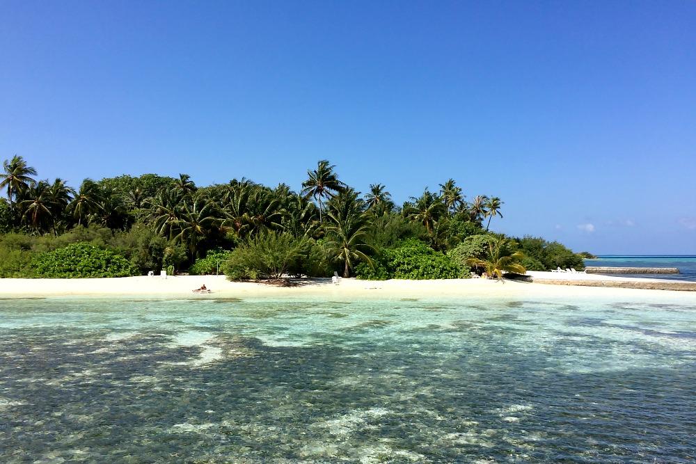 0 Malediven Hudhuranfushi Meer Strand