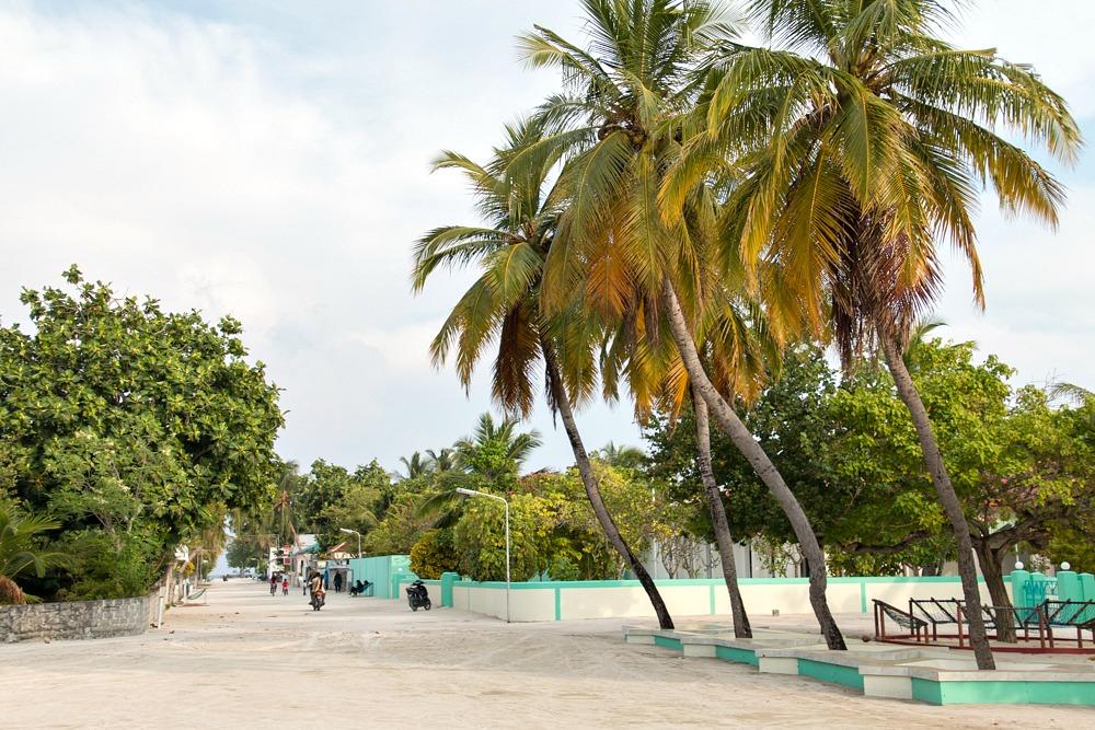 2 Malediven Einheimischeninsel Utheemu