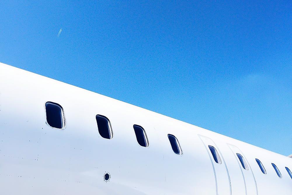 Flugzeug Flieger Flugbegleiterin Stewardess