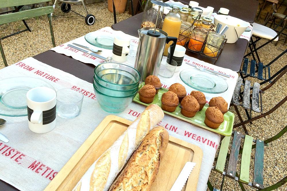 Frankreich Südfrankreich Essen Frühstück Baguette