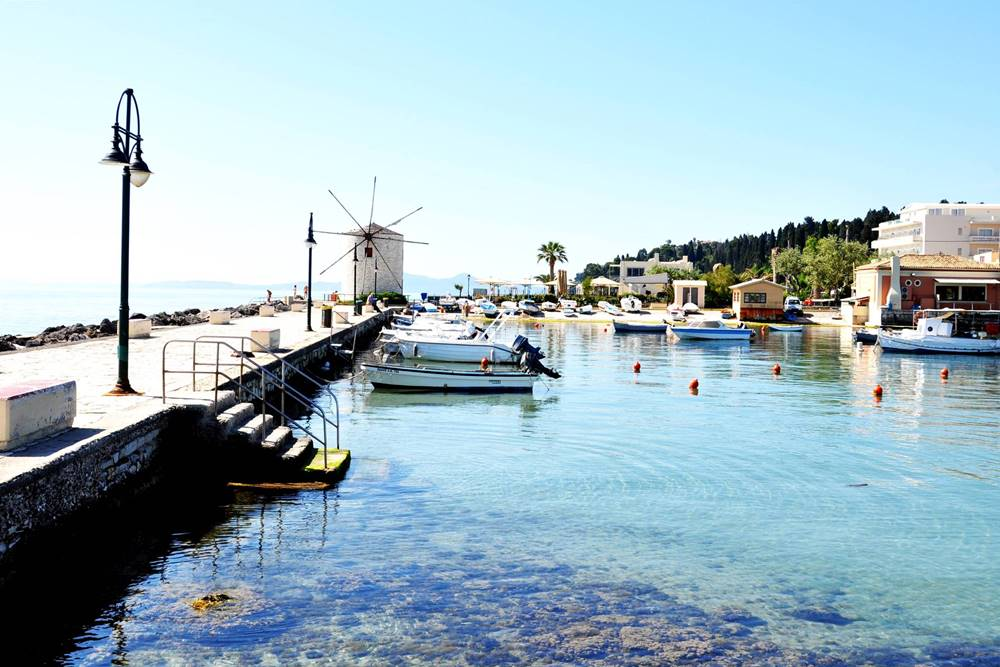 11_Garitsa Bucht Korfu Stadt Kerkyra Windmühle Anemomilos (1)