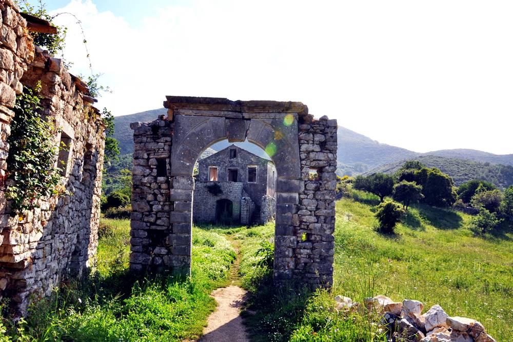 27_Korfu Old Periphia Ruinen
